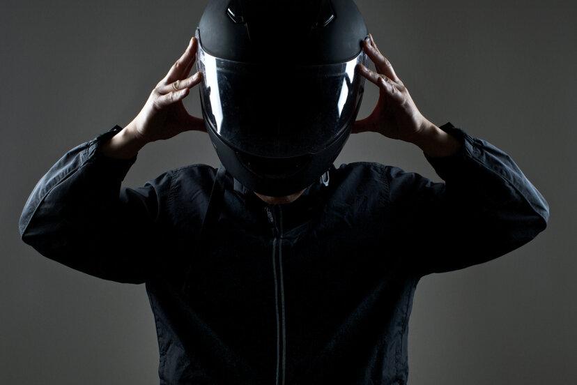 最も安全なタイプのオートバイのヘルメットは何ですか?