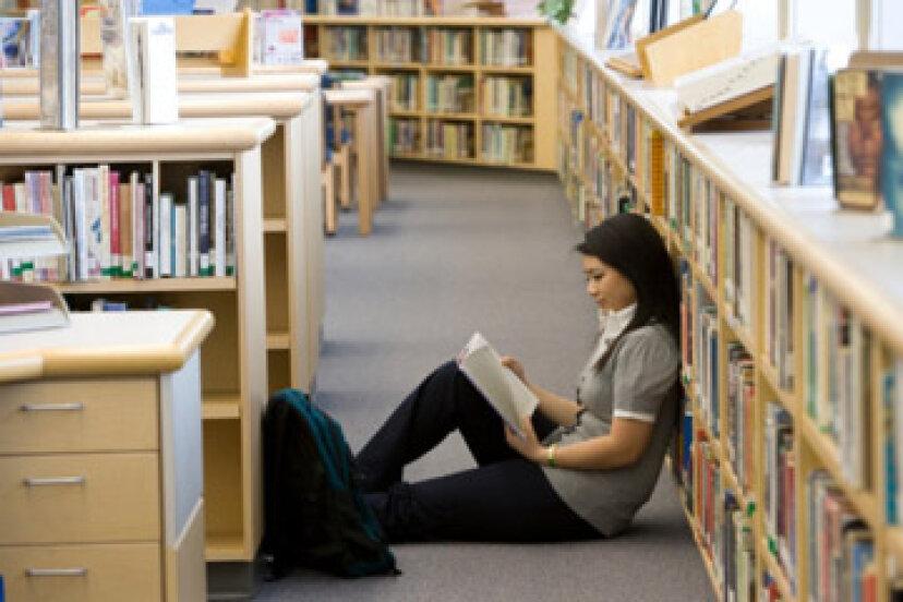 SATスコアは学資援助にどのように影響しますか?