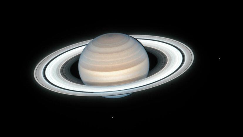 土星にはいくつの衛星がありますか?
