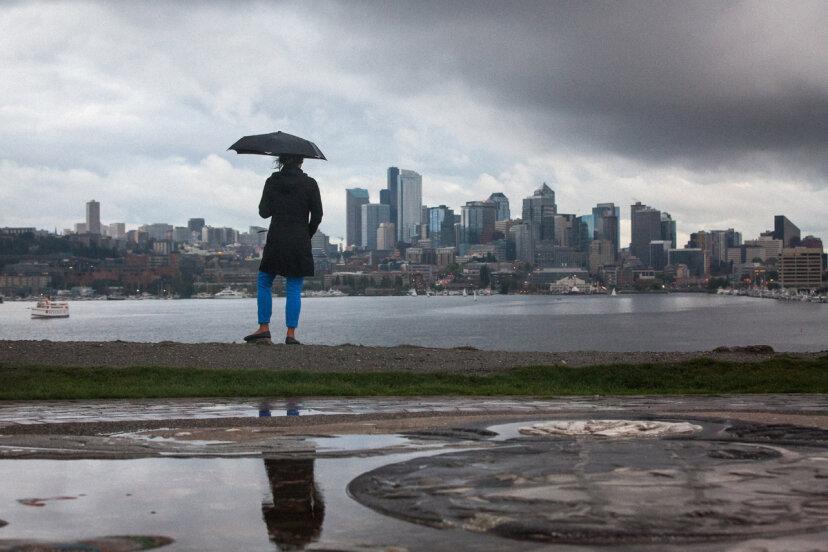シアトルは米国で最も雨の多い都市ですか?