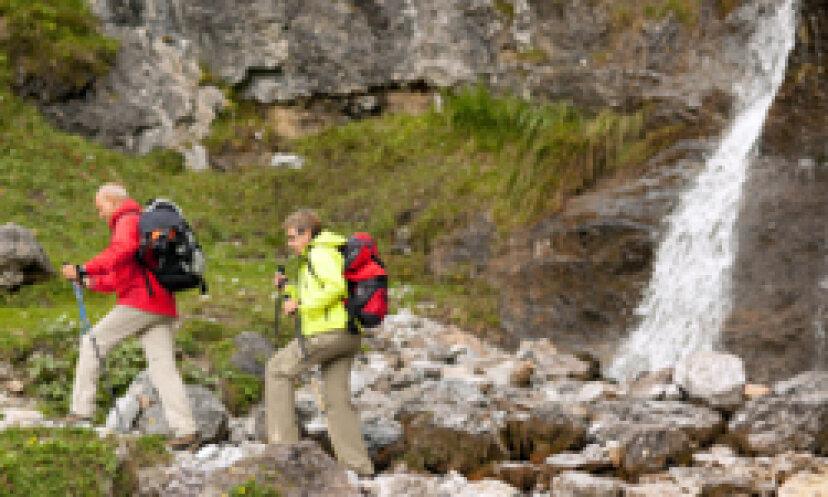 冒険的な退職者旅行ツアーのための10のヒント