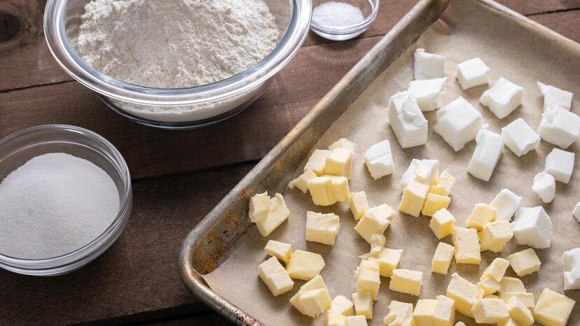 Was ist der Unterschied zwischen Butter und Backfett?