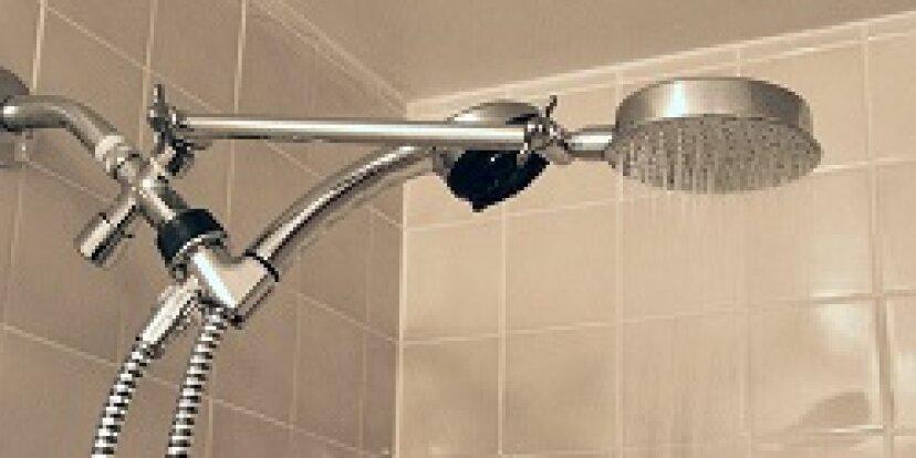 あなたのシャワーからカビをきれいにする最良の方法は何ですか?