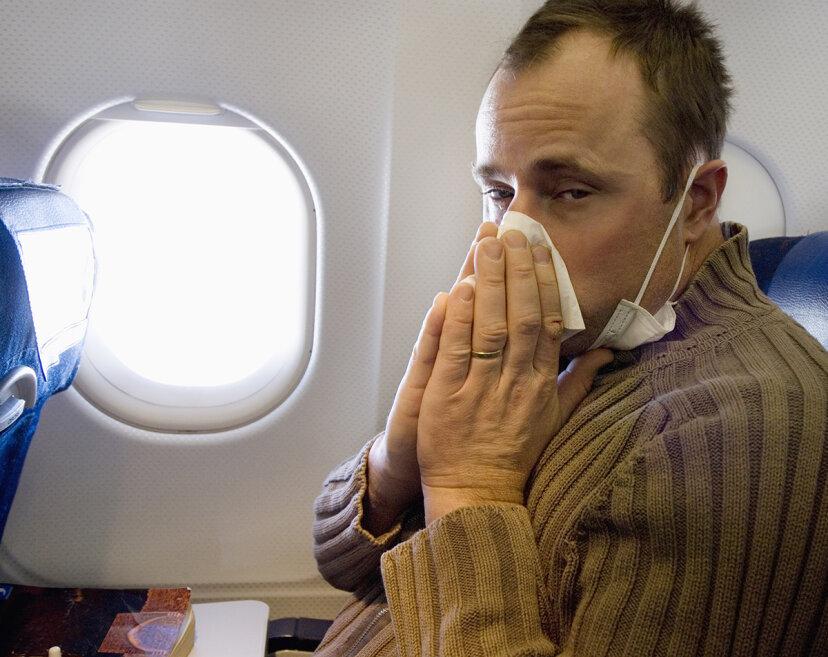 空の旅で副鼻腔の問題が悪化するのはなぜですか?