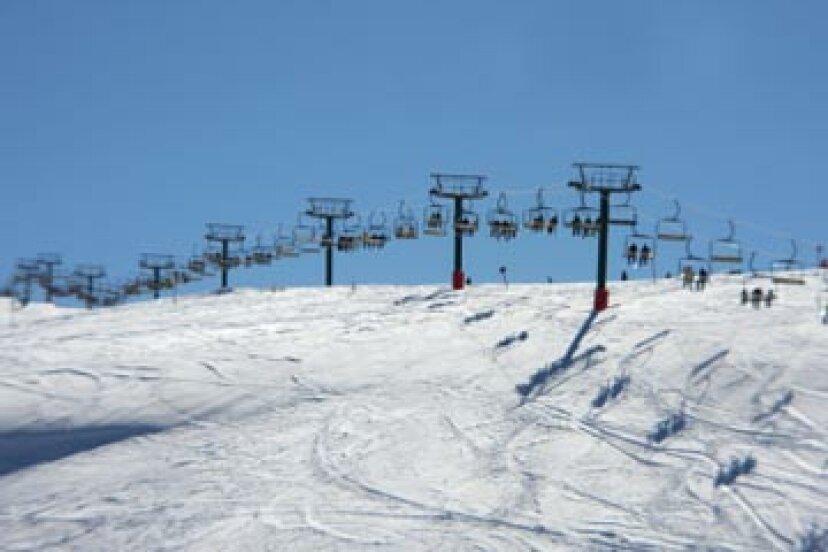 スキーリゾートのしくみ