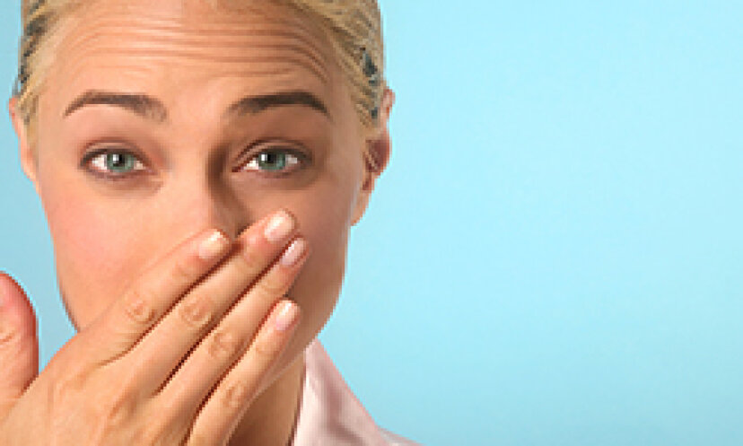 風邪を引いたときに、ひび割れた皮膚を鼻の周りから取り除くのは悪いことですか?