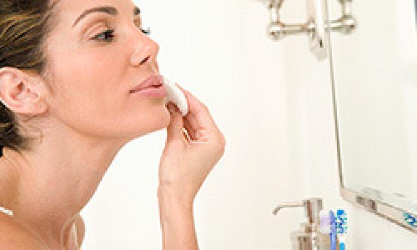 洗顔ブラシを使うべきですか?