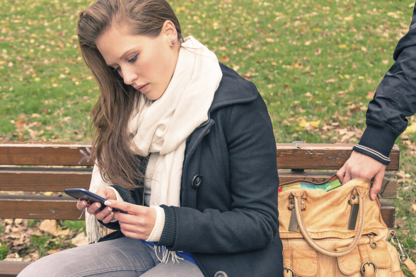 スマートフォンは個人情報の盗難のリスクを高めますか?