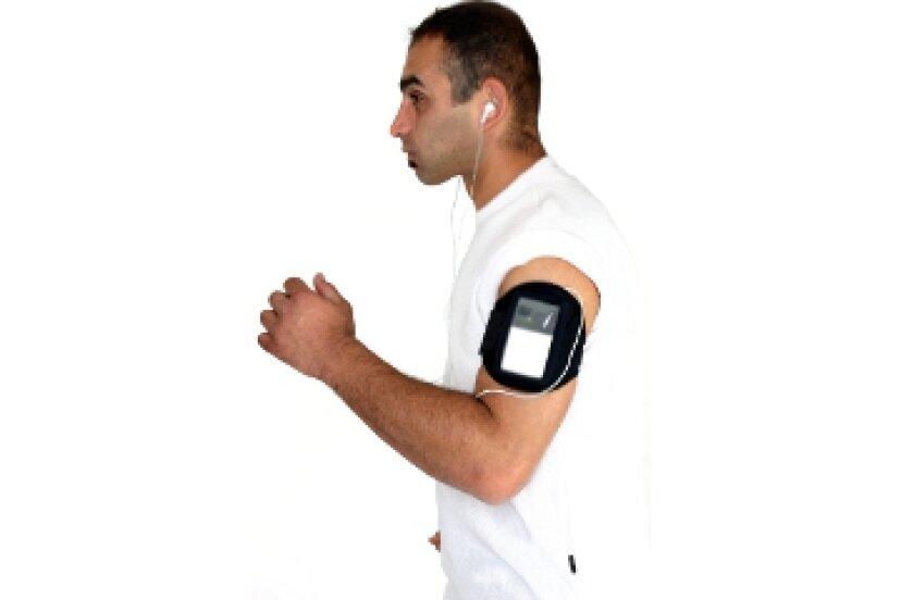 走っているときにスマートフォンを腕章やポケットに入れた場合、過熱することはありますか?