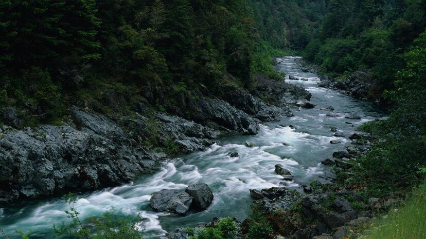 完全にチェックすべき7つの野生の風光明媚な川