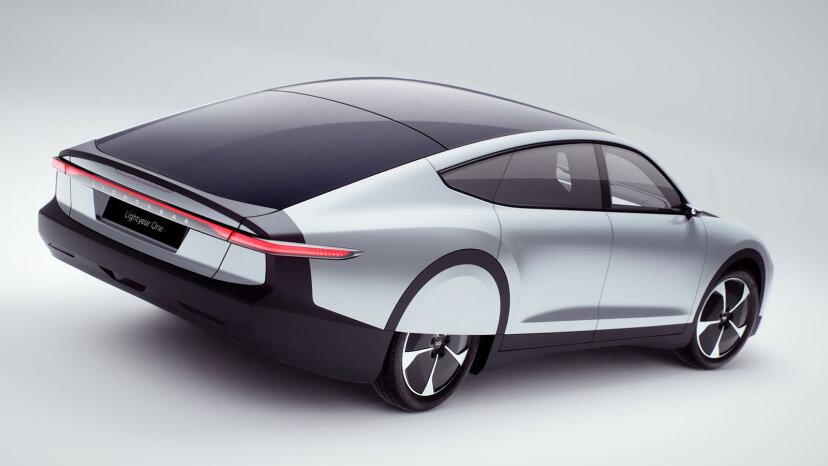 ソーラーパネルは車にも電力を供給できます