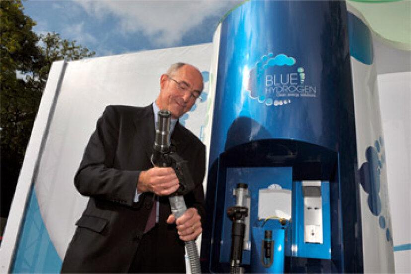 太陽エネルギーをさびや水に蓄えることはできますか?