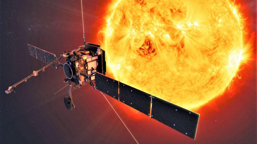 新しいソーラーオービターが太陽の極を最初に垣間見る