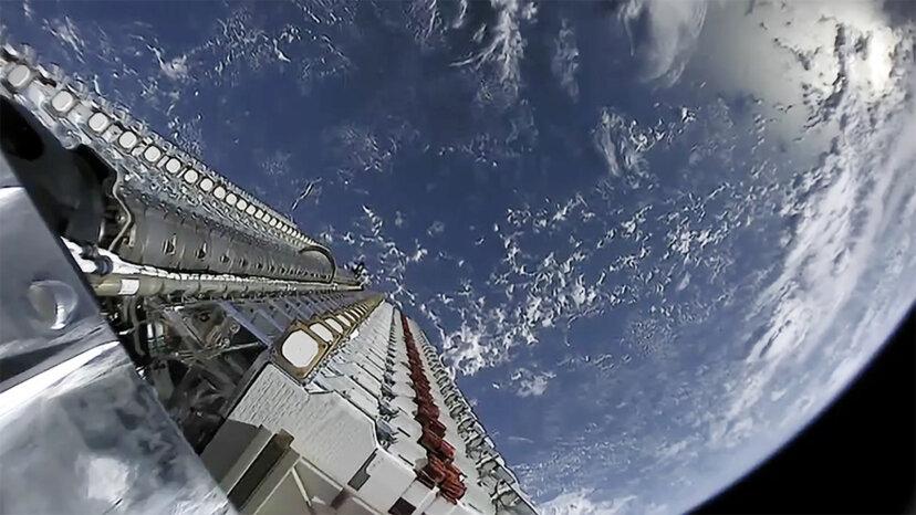 SpaceX startet im Rahmen des StarLink-Projekts 59 Satelliten in den Weltraum