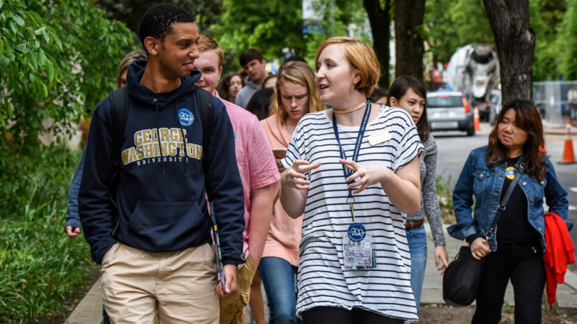 私立または公立の大学生はもっとストレスを感じていますか?Redditは答えを保持する可能性があります
