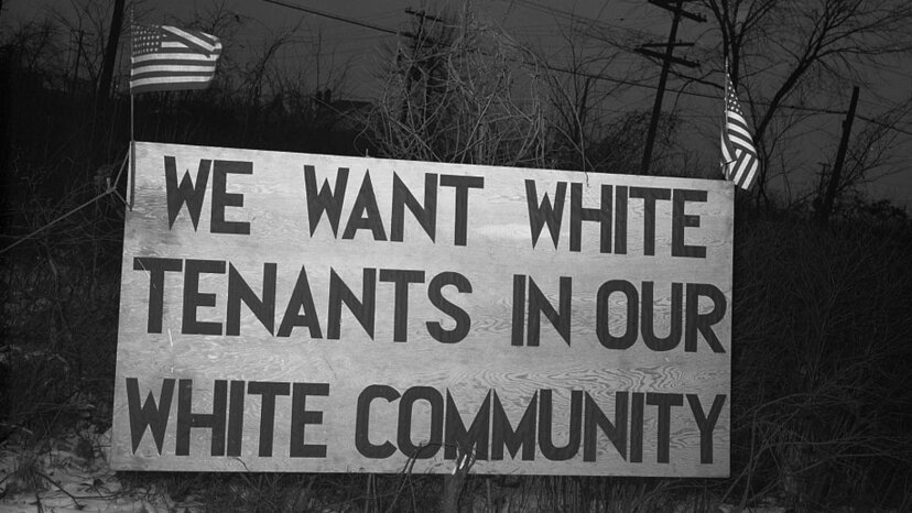 Sundown Towns: 'Ocultar' el racismo al aire libre