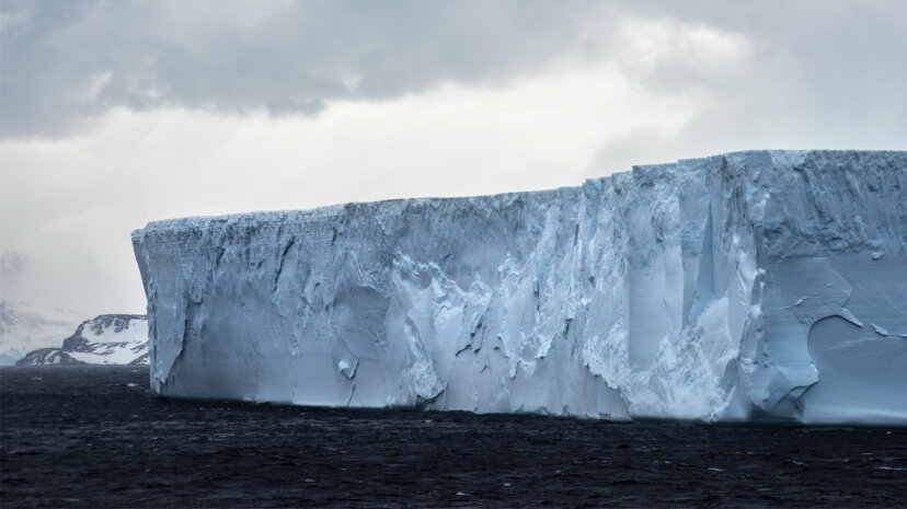 Was passiert neben A-68, dem neuen gigantischen Eisberg der Antarktis?
