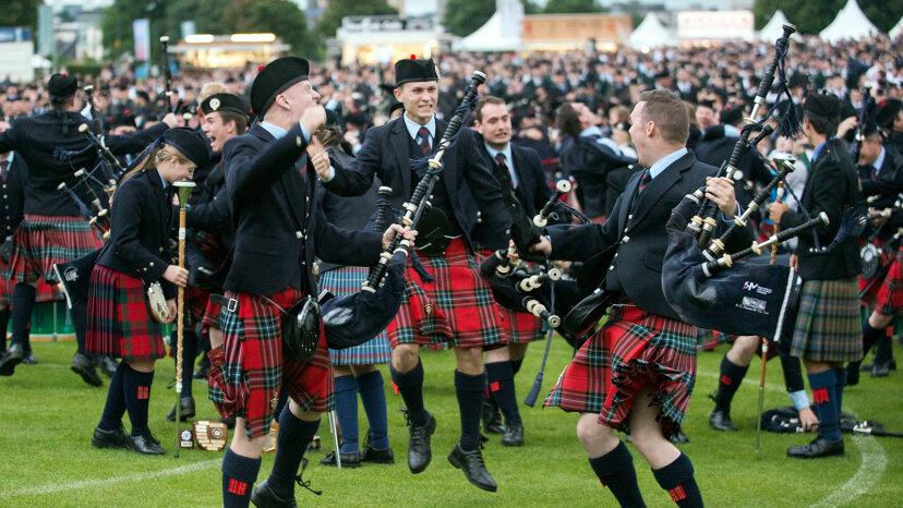 すべてのスコットランドの家族はタータンを持っていますか?