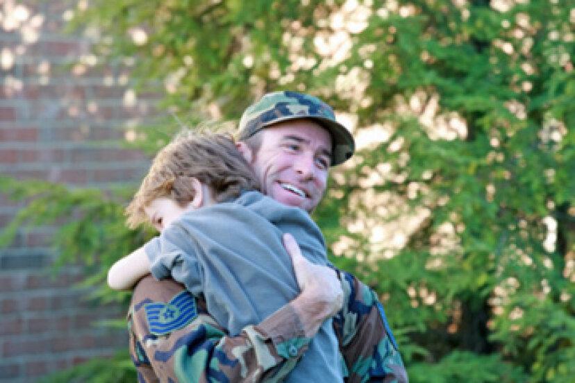 テクノロジーは軍の家族をどのように助けていますか?