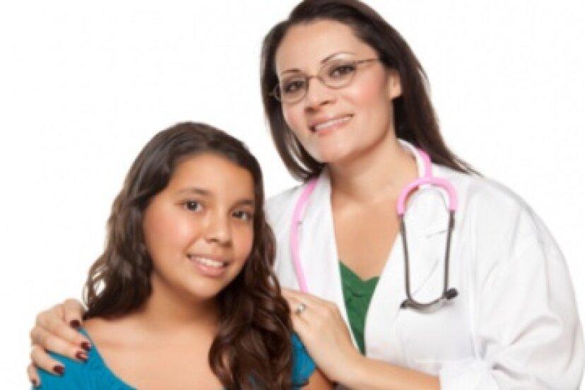 十代の若者たちのための年次健康診断と骨盤検査