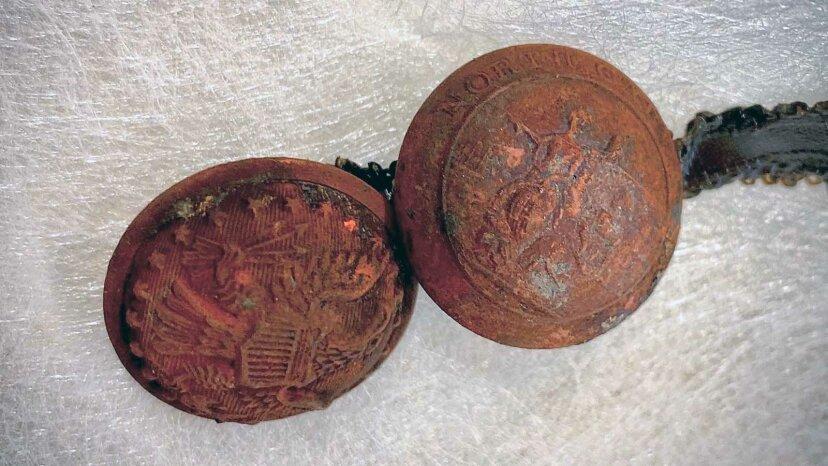 Zeitkapsel aus dem 19. Jahrhundert unter dem Denkmal der Konföderierten entdeckt