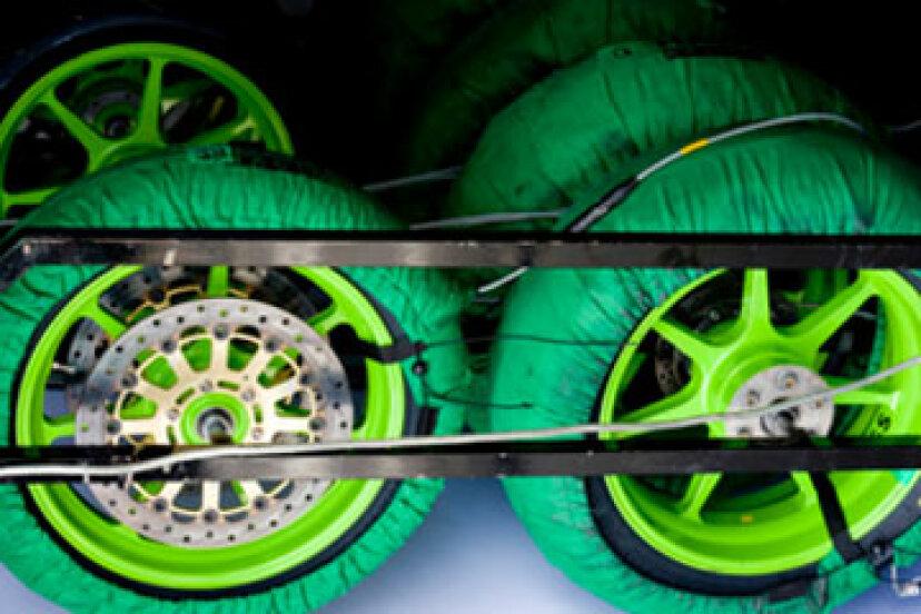 タイヤウォーマーは安全性への良い投資ですか?
