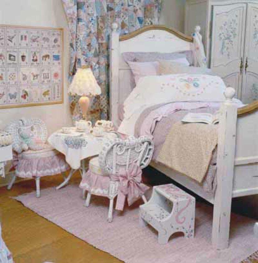 幼児の寝室の装飾のアイデア