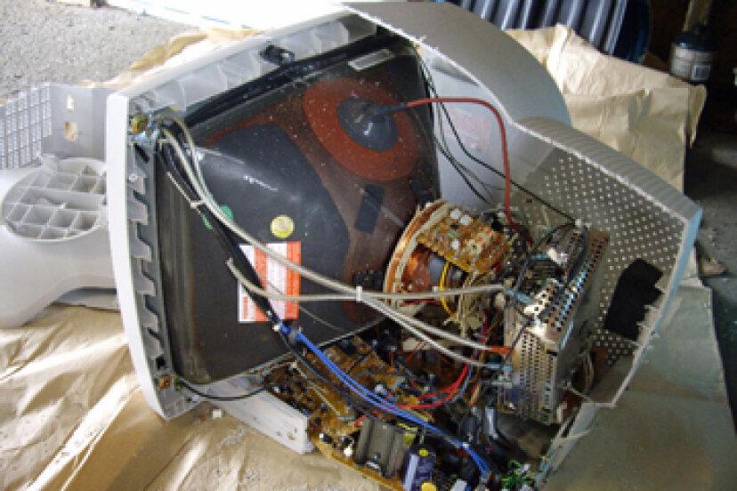 薄型テレビは、リアプロジェクションテレビやブラウン管テレビよりも壊れやすいですか?
