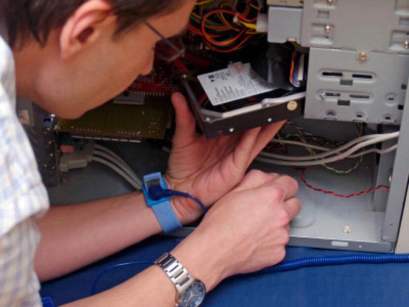 DVRのハードドライブをアップグレードする方法