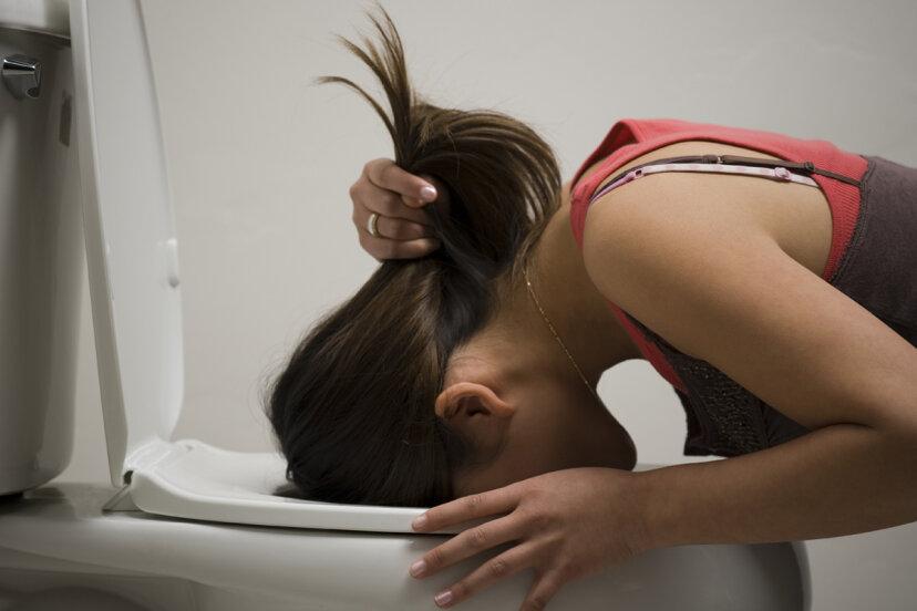 胆汁を吐くとはどういう意味ですか?