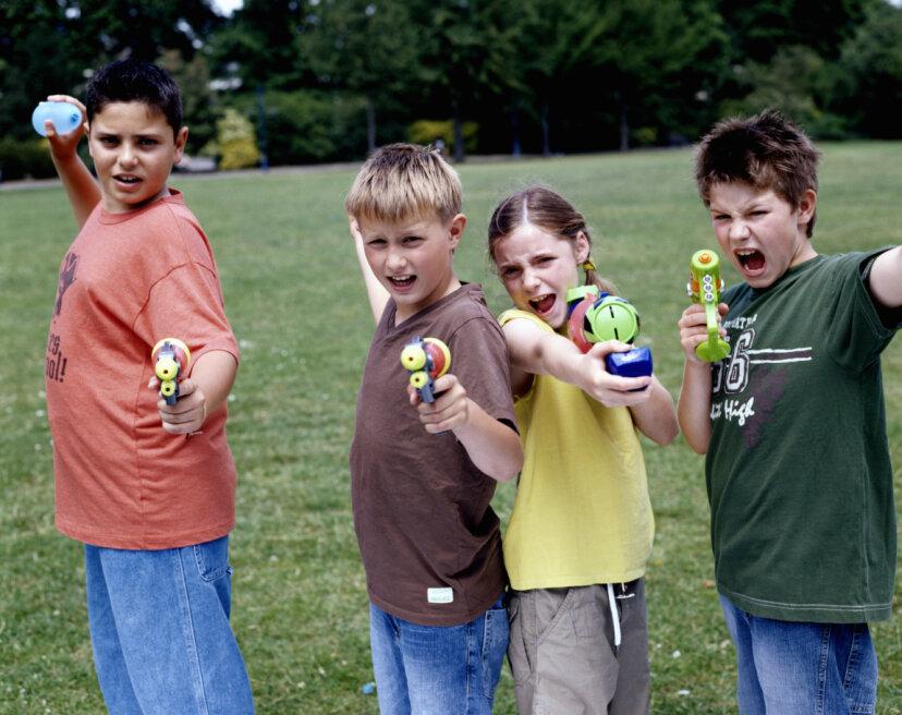 子供のための5つの楽しい水風船ゲーム