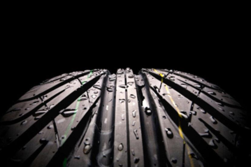 タイヤを安全にするものは何ですか?