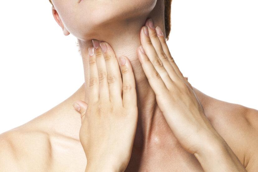 なぜ女性は喉頭隆起を持っていないのですか?
