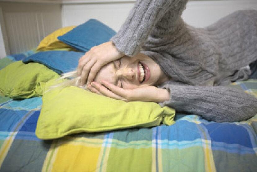 なぜ女性は男性より片頭痛が多いのですか?