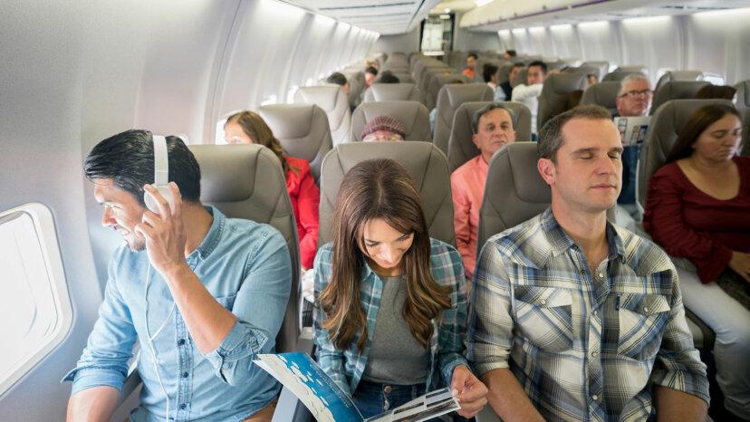 飛行機の最悪の席は何ですか?