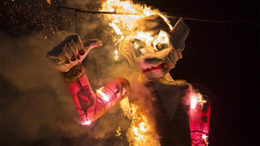Zozobra: Incineración anual de dolores de Santa Fe