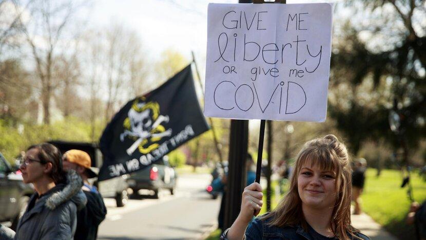 manifestantes de coronavírus