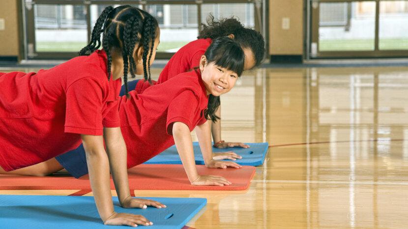 girls doing pushups