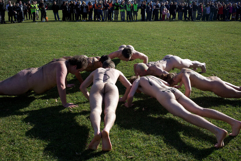 naked athletes doing push-ups