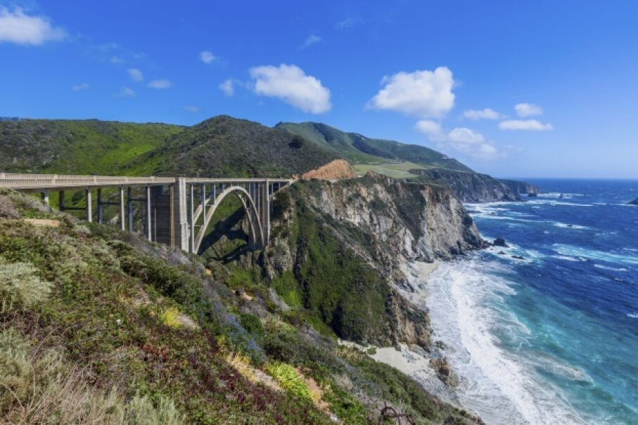 Drive through beautiful Big Sur.  Spondylolithesis/iStock/Thinkstock