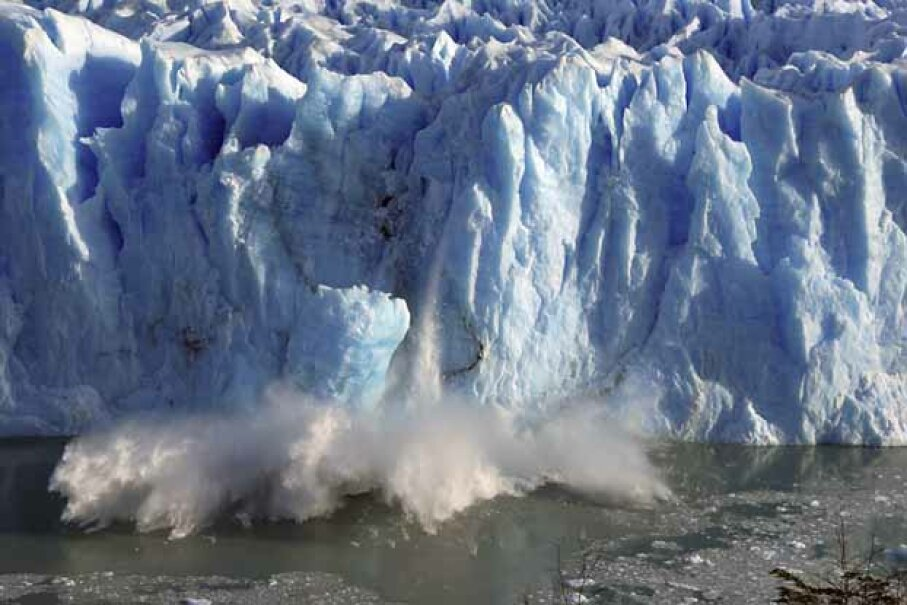 Splinters of ice peel off from one side of the Perito Moreno glacier in southern Argentina in 2008. Dumping iron dust in the seas or placing smoke and mirrors in the sky to dim the sun could curb global warming, say backers of geoengineering. © STRINGER/ARGENTINA/Reuters/Corbis