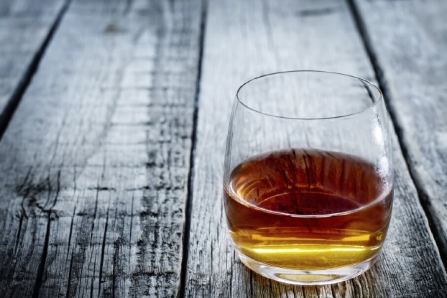 Alcohol: Either way it's going to make you sweat. nata_vkusidey/iStock/Thinkstock