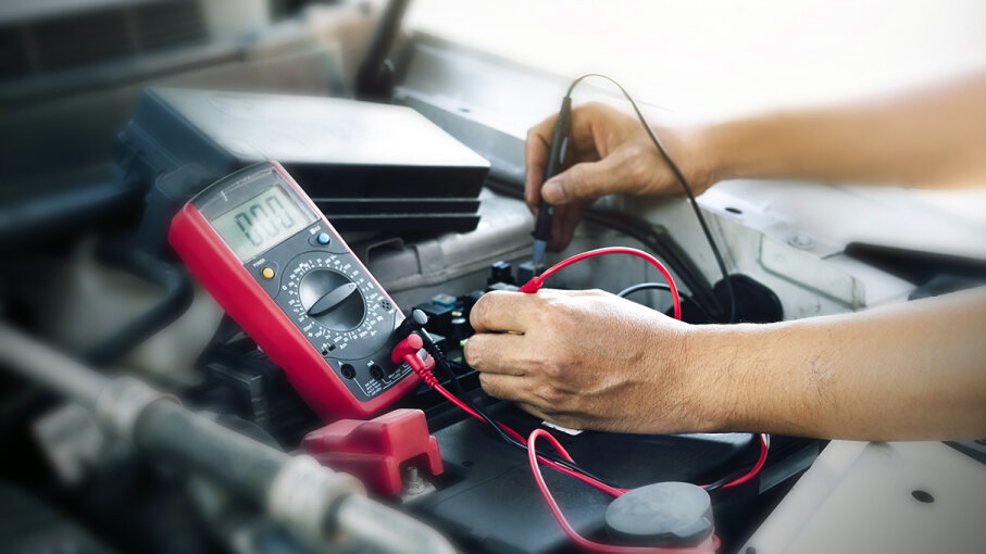 7: A Dead Battery - Top 10 Signs of Alternator Problems