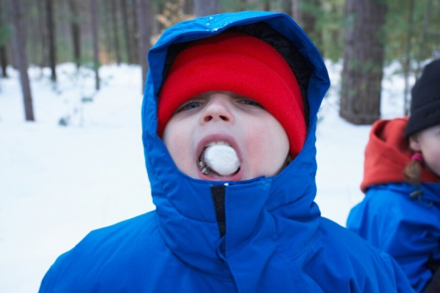 """Look, ma, frozen marshmallow!"" Jupiterimages/Photos.com/Thinkstock"