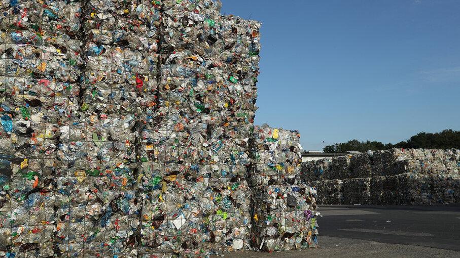 China plastic recycle ban