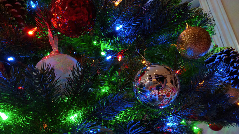 Christmas ornaments, Christmas Lights, Christmas tree
