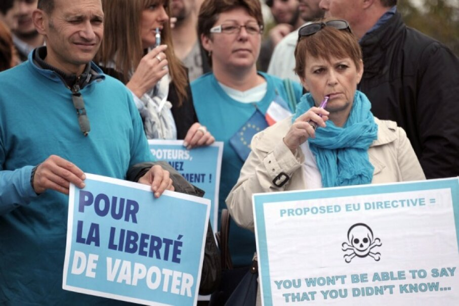 A European parliament bill aiming at classifying e-cigarettes as a drug in October 2013 was met with protests. © FREDERICK FLORIN/AFP/Getty Images