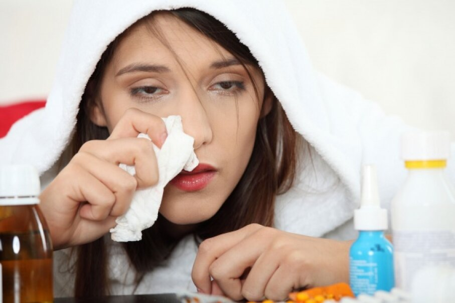 Yep, colds are awful. But they usually run their course in week or so, and there's no need for an ER trip. © Piotr Marcinski/Thinkstock