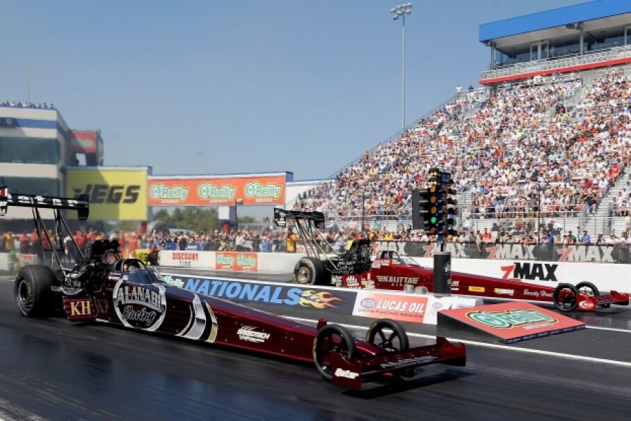 Even though drag strips are only a quarter-mile long or shorter, dragsters still reach speeds of over 300 mph (483 kph). Rusty Jarrett/Getty Images Sport/Getty Images