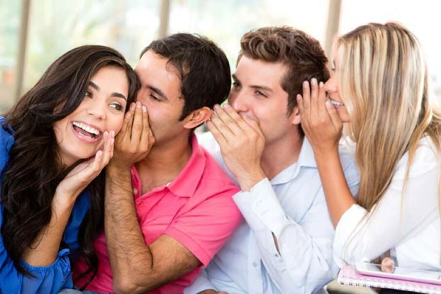 Before you share your big news on Facebook, make sure your nearest and dearest already know. Andresr/iStock/Thinkstock